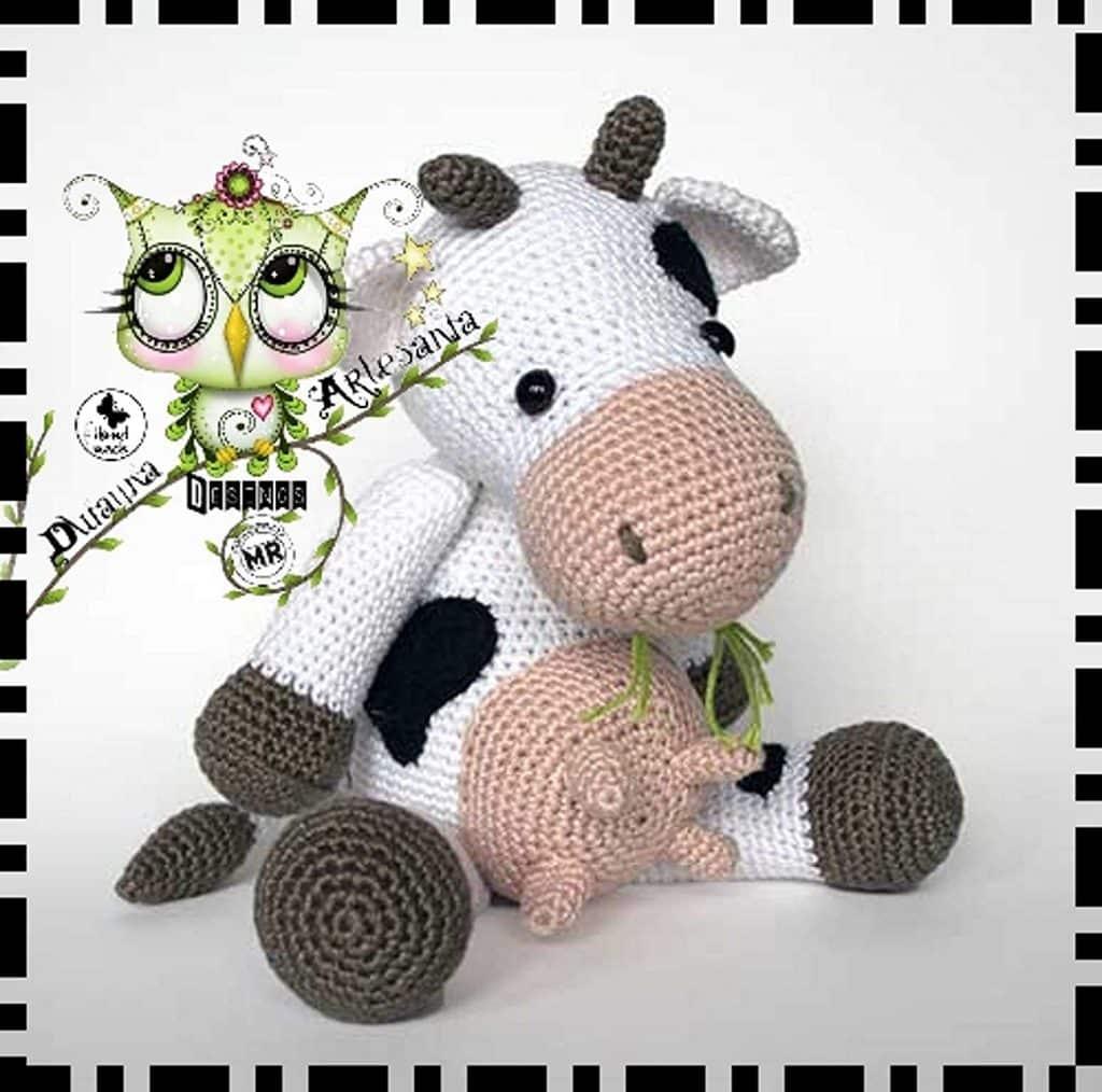 vaca sentada de lana amigurumi